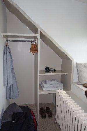 "Dunsford, UK: ""Orla"" room - storage"