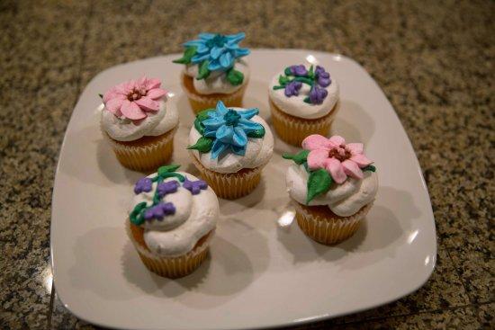 AMAZING Custom Cake Creation