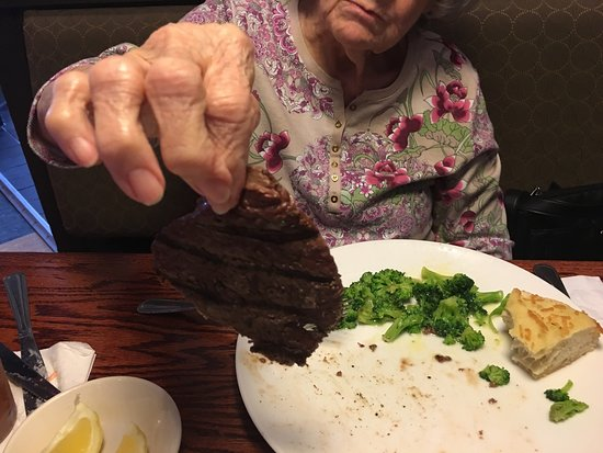 Tabb, VA: The 6 ounce sirloin is thinner than a McDonald's hamburger!