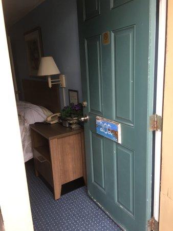 The Seaside Inn: photo1.jpg