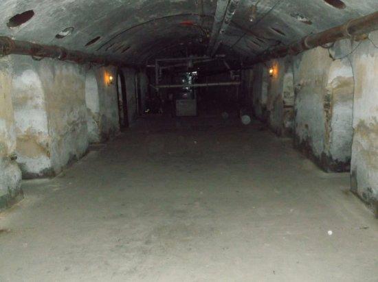 Jim Thorpe, Pensilvania: The Basement cells, The Hole