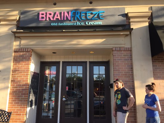 Elmhurst, IL: Brain Freeze Exterior