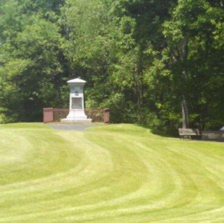 Farmington, Pensilvania: Braddock Monument