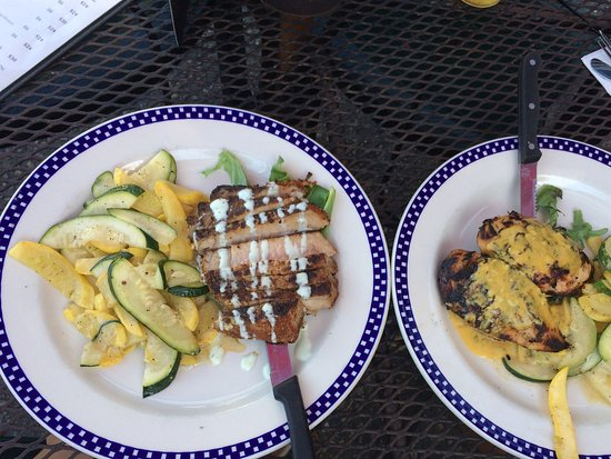 Reel Cafe: Left: Blackened Tuna (my dish) Right: Reel Chicked (husbands dish)