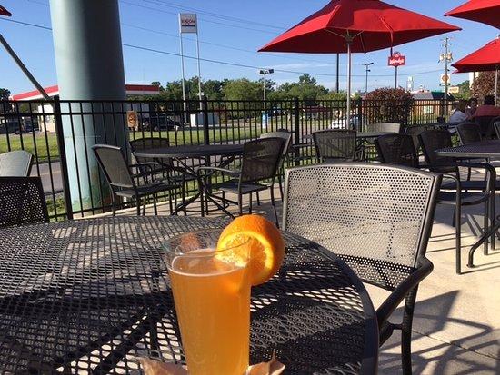 Princeton, WV: Applebee's patio
