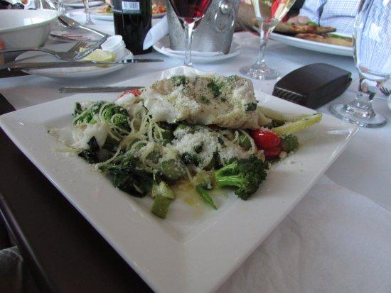 Longueuil, Canadá: morue et ses légumes