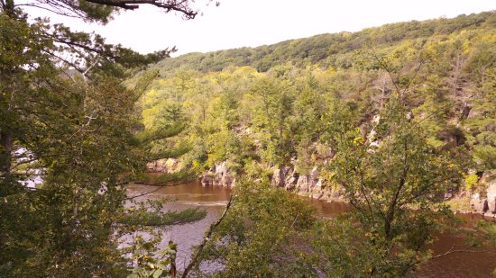 Saint Croix Falls, WI: Minnesota's Interstate State Park on the other side of the St. Croix