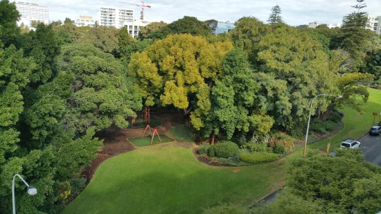 Harold Boas Gardens