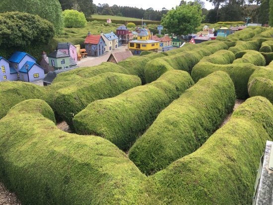 Promised Land, Australië: the Maze was good fun the little town was great loved reading the signs