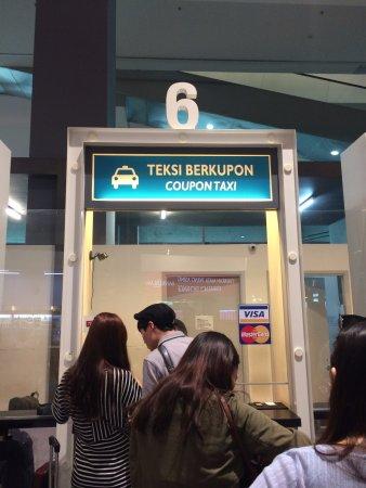 Sepang, Malasia: 택시 쿠폰 사는곳