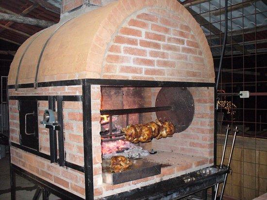 Contamos un un horno para pollo asado a la le a exqusito - Materiales para hacer un horno de lena ...