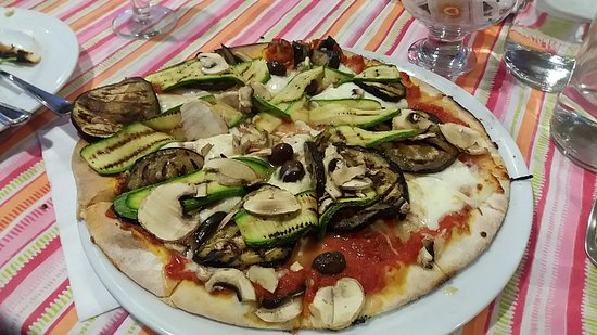 Residence Imperial: The pizza is to die for!