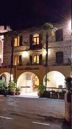 Hotel Windsor Savoia: 20170612_220444_large.jpg