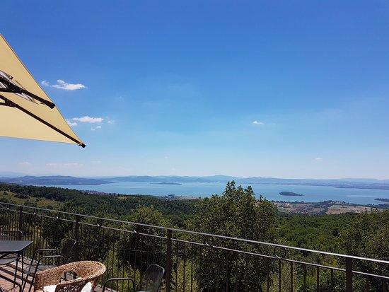 Lisciano Niccone, Italie : Vista sul Lago Trasimeno