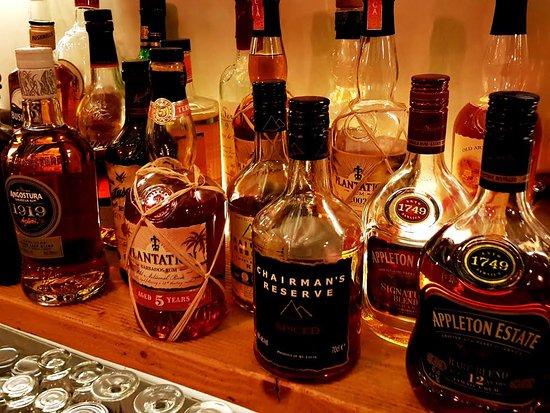 Nea Smirni, Greece: Signature blends from Jamaica to Barbados via Panama.. Each rum possesses characteristic local f