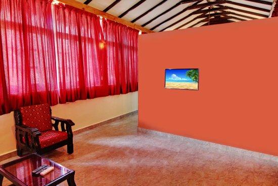 Anjuna, India: Suite Room - Living Room