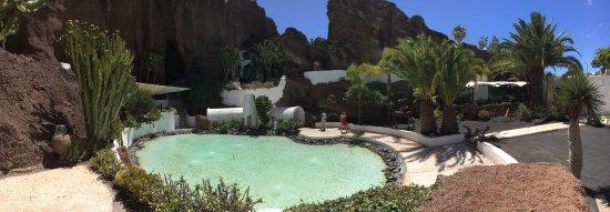 Lagomar Museum : La piscina principal de la casa