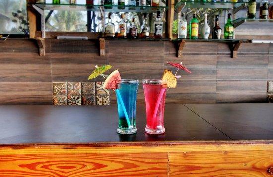 Anjuna, India: Liquid Lounge - The Bar