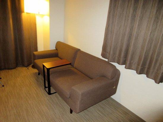 Privatestay Hotel Tachibana: ソファ