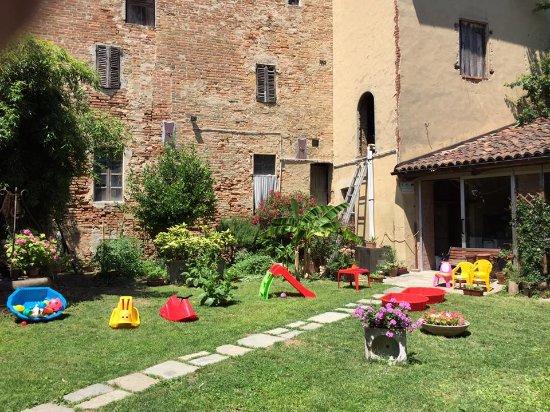 Castagnole Monferrato, Italy: cortile esterno