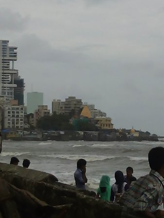 Mahalakshmi Temple: View from Hazi ali
