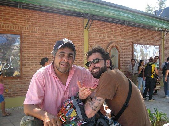 San Miguel del Monte, Arjantin: Con Fabio alla fermata del bus per Buenos Aires