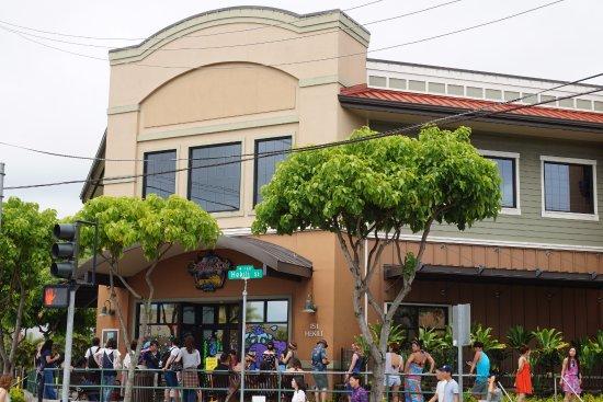 Boots & Kimo's Homestyle Kitchen: お店の外には待っている人がたくさんいました