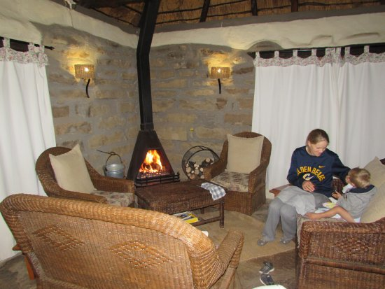 Van Reenen, Sudáfrica: Warm and cosy around the fire