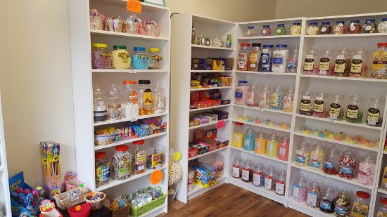 Knighton, UK: traditional and retro sweets