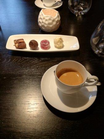 Super koffie met lekkers - Foto van De Swarte Ruijter, Holten - TripAdvisor @AX71