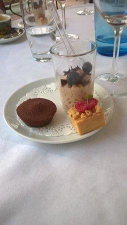 Porrentruy, Ελβετία: Il dessert del menù del giorno - buonissimo!