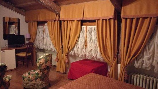 Hotel Antigo Trovatore: 401