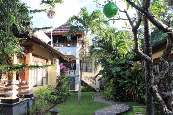 Apa Kabar Villas: three bedroom villa