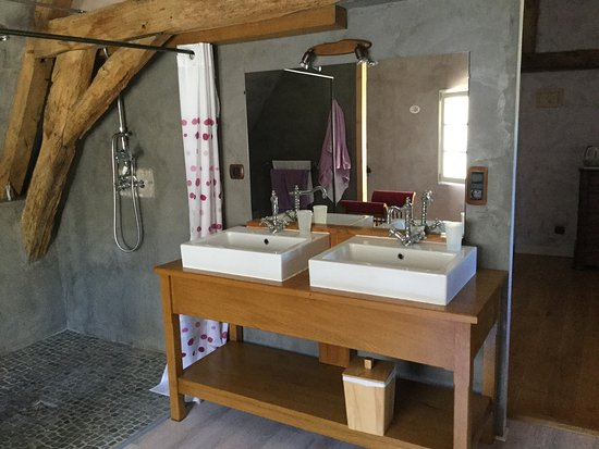 La Maison des Passerelles : Wonderful location and delightful hosts.