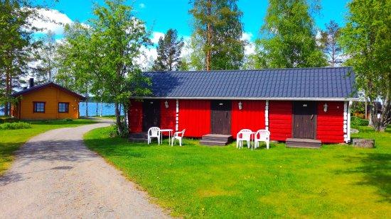 Northern Ostrobothnia, Finland: Kesäaitta, taustalla 7-9-hlön rantahuvila