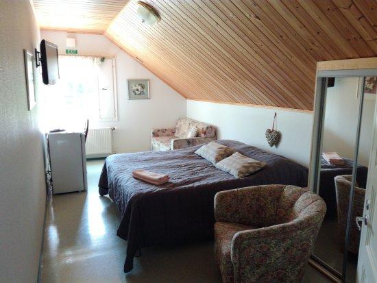 Marjoniemi Lakeside Holiday Resort: Hotellihuone