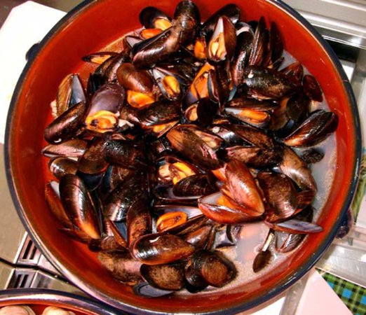 Onich, UK: Our popular Loch Leven Mussels.