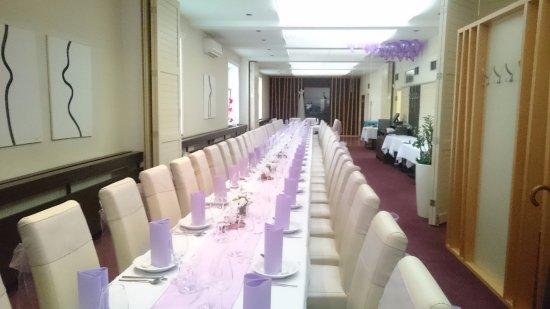 Uherske Hradiste, Tjekkiet: svatební stůl