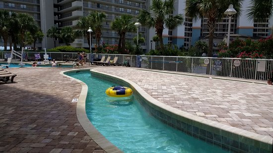 Shore Crest Vacation Villas: The lazy river / pool/ hot tub area at Shorecrest II