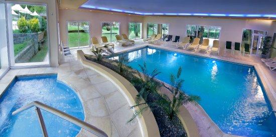 Altos de belgrano villa general belgrano argentina for Precio piscina climatizada