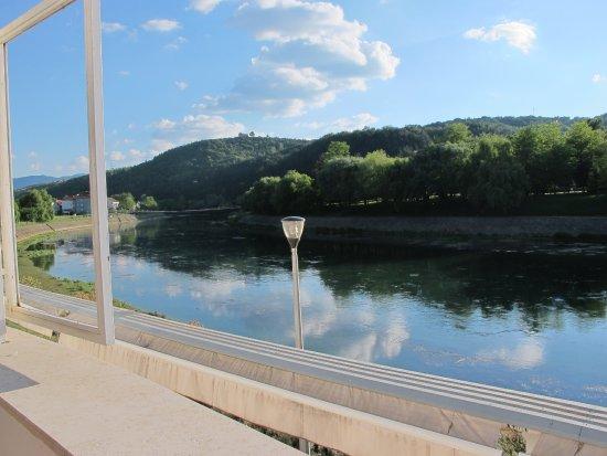 Trilj, Хорватия: Fluss-seitig ist die Aussicht recht hübsch