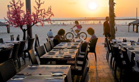 London Resto Cafe Tel Aviv Restaurant Reviews Phone Number Photos Tripadvisor
