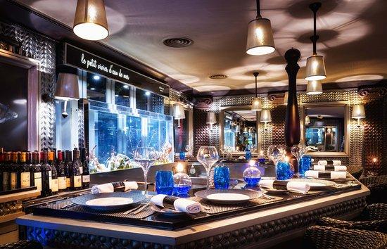 Le bar hu tres place des vosges parigi le marais for Miglior ristorante di parigi