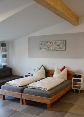 Eitting, Alemania: Apartement mit küche und Balkon
