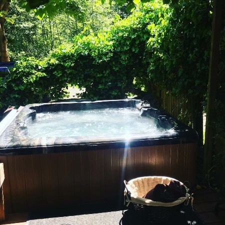 Gabriola Island, Canadá: New Hot Tub to soak your cares away ....