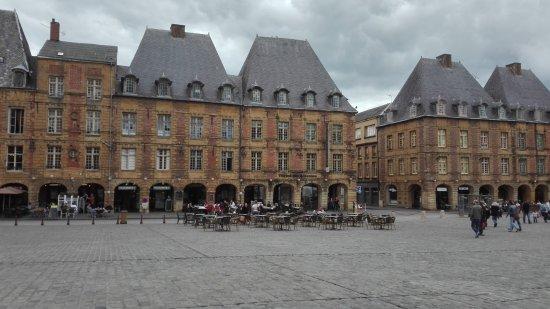 Place ducale 2020 ce qu 39 il faut savoir pour votre visite - Chambre d hotes charleville mezieres ...