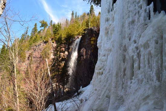 Nipigon, Canada: Mazukama Falls in the winter