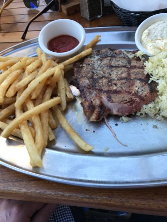 Saddle Ranch Chop House: photo4.jpg