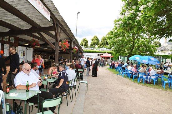 Luche-Pringe, France: Buvette de la base de loisirs du camping de la Chabotière