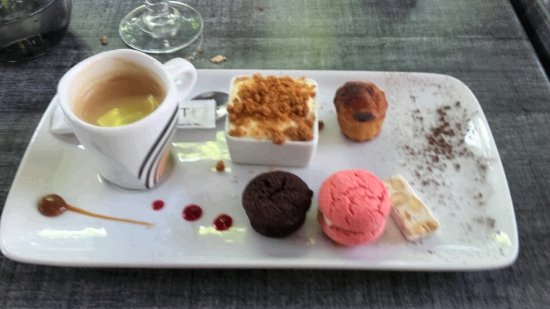 Decines-Charpieu, France: café gourmand